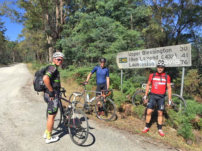 Credit-card-Tour Start 70km dirt to Ben Lomond